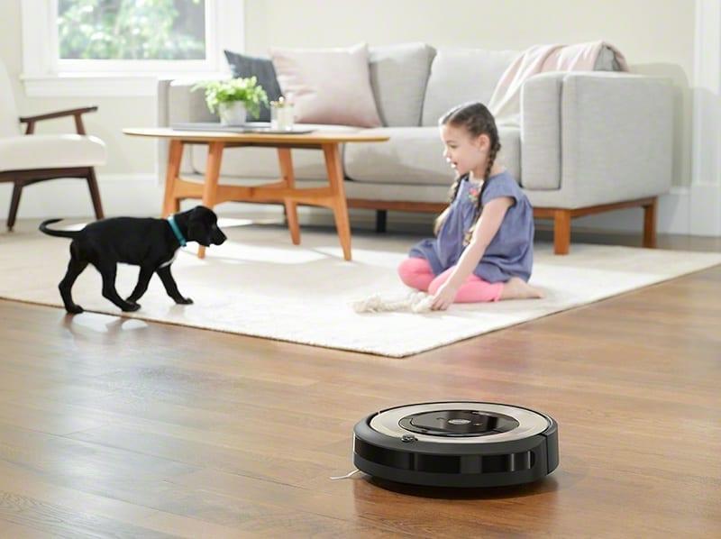 שואב אבק רובוטי iRobot E5 ילדה וכלב .